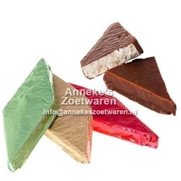 Nougatblock Medium mit Schokoladenüberzug  per stuk