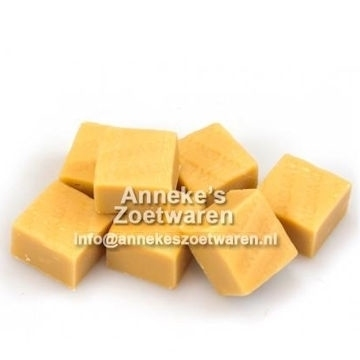 Lonka, Old English Fudge Vanille ( Zachte Caramel )  per 100 gram