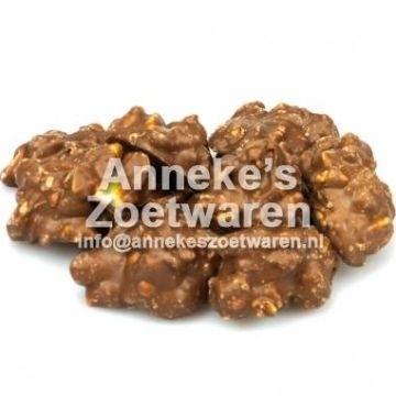 Milch Schokolade mit gerösteten Erdnüssen  per 250 gram